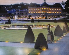 Candlelight nights at Chateau Vaux Le Vicomte