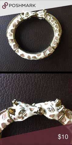 Stretch giraffe bracelet. Gold, cream, and tan. Perfect condition. Jewelry Bracelets