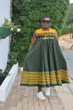 African Fashion Traditional, African Traditional Wedding, Traditional Outfits, African Tops For Women, African Dresses For Women, African Print Fashion, African Prints, Shweshwe Dresses, Xhosa