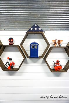 Easy DIY Hexagon Shelves - Some of This and That Adult Crafts, Fun Crafts, Diy And Crafts, Crafts For Kids, Easy Diy Projects, Craft Tutorials, Craft Projects, Brad Nails