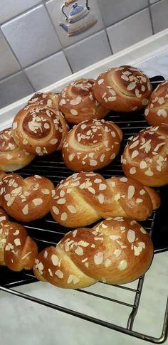Food Tasting, Sweet Recipes, Hamburger, Bread, Snacks, Basel, Recipies, Appetizers, Brot