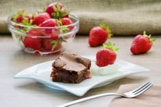 Brownies sa jagodama Brownies, Pudding, Beef, Desserts, Recipes, Food, Meat, Tailgate Desserts, Meal