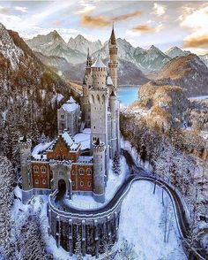 Neuschwanstein Castle: a 19th century Romanesque Revival palace above the village of Hohenschwangau near Füssen in Bavaria, Germany.