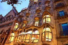 La Casa Batlló constitue à elle seule un univers fabuleux mélangeant génie architectural, ode à la nature et invitation au rêve. Coup de coeur garanti!