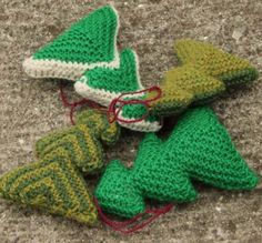 Free knitting pattern for a Xmas tree ornament Cable Knitting Patterns, Christmas Knitting Patterns, Lace Knitting, Knitted Christmas Stockings, Knitted Flowers, Knitting Accessories, Christmas Angels, 100 Free, Xmas Tree