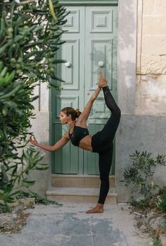 Fitgymwear - Fitness Apparel & Fashion - South Africa and International Yoga Fashion, Urban Fashion, Fitness Fashion, Fashion Outfits, Happy International Yoga Day, Yoga Moves, Gym Leggings, Yoga Challenge, Spain Travel