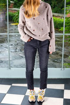 Find this look in our stores. Woven Fabric, That Look, Skinny Jeans, Pullover, Fashion Outfits, Sweaters, Pants, Clothes, Shopping