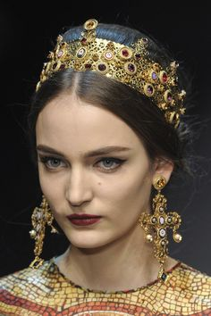 Byzantine Crowns for Dolce