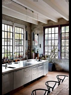 Kitchen in stainless steel