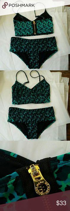 Marc Jacobs Two Piece Swimsuit Bikini Size XS Marc Jacobs Two Piece Swimsuit Bikini Size XS Swim Bikinis