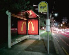 48 Fresh And Creative Bus Stop Advertisements That Will Blow Your Mind Guerilla Marketing Photo Bus Stop Advertising, Visual Advertising, Advertising Design, Street Marketing, Guerilla Marketing, Exterior, Blow Your Mind, Maya Angelou, Guerrilla