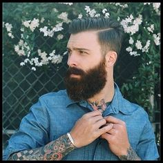 some guys have all the luck great hair AND a great beard...if only...good for him...