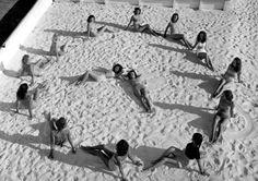 Tick, tock... It's beach o'clock! (1947) | Florida Memory