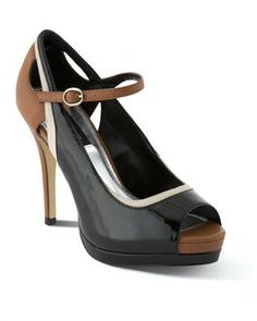 Women's Heels, Leather Pumps, Wedges, Flats, Handbags, Belts, Wraps & Scarves - Chic Shoes and Accessories - White House | Black Market