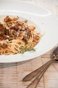 Spaghetti mit Pfifferlingen in Aioli-Sahnesauce Aioli Sauce, Spaghetti, Polenta, Yams, Risotto, Veggies, Tasty, Favorite Recipes, Ethnic Recipes