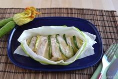 Petto di pollo al cartoccio Light Recipes, Fett, Fresh Rolls, Zucchini, Cabbage, Chicken, Dinner, Vegetables, Cooking