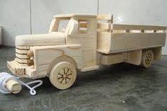 Resultado de imagen para caminhãozinho de madeira como fazer