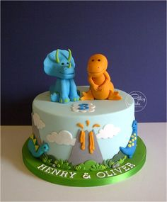 Dinosaur cake ideas for birthdays Dinosaur Cakes For Boys, Dinosaur Cupcakes, Dino Cake, Dinosaur Birthday Cakes, 3rd Birthday Cakes, 4th Birthday, Dinosaur Party, Dinosaur Wedding, Birthday Ideas