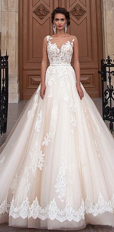 Fabulous Tulle Bateau Neckline Ball Gown Wedding Dresses With Lace Appliques