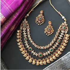 These Jhumka Design Images Will Stun You Gold Jewelry Simple, Jewelry For Her, Stylish Jewelry, Fashion Jewelry, Silver Jewelry, Antique Jewellery Designs, Gold Jewellery Design, Diamond Jewellery, Necklace Online