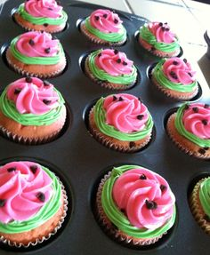 Watermelon rosette smash cake for a one in a melon first birthday party! Watermelon Cupcakes, Watermelon Birthday Parties, Fruit Birthday, 2nd Birthday Party Themes, Fruit Party, 1st Birthday Girls, Birthday Cupcakes, Birthday Ideas, Cupcake Party