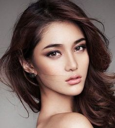 Top 5 Hottest Makeup Trends for Fall brown shadow in cat eye shape + black liner + light lips + full brows – Das schönste Make-up Beauty Make-up, Asian Beauty, Beauty Hacks, Hair Beauty, Beauty Style, Asian Bridal Makeup, Asian Eye Makeup, Korean Makeup, Asian Smokey Eye