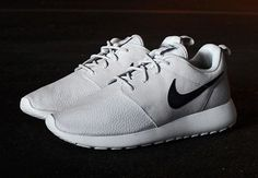 women's sports shoes! Sports roshe running shoes,roshe chepest only $21.68!! Press picture link get it immediately! R565926