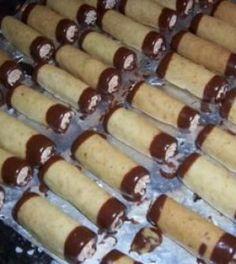 Foto: pinterest.com Czech Recipes, Ethnic Recipes, Desert Recipes, Bottle Crafts, Hot Dog Buns, Christmas Cookies, Nutella, Sausage, Cheesecake
