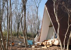 Дом с остроконечной крышей в лесу в Японии: работа архитектора Хироcи Накамуры | AD Magazine