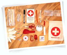 Momemergency kit