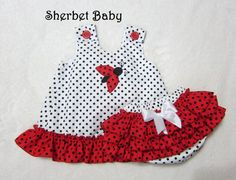 Items similar to Ladybug Applique Ruffled Pinafore & Bloomers Set Red Black White on Etsy Baby Dress Design, Baby Girl Dress Patterns, Little Girl Dresses, Sewing For Kids, Baby Sewing, Baby Doll Clothes, Baby Dolls, Toddler Outfits, Kids Outfits