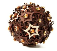 La Maison du Chocolat~,White and dark chocolate Christmas creation Chocolate Work, Chocolate Dreams, Chocolate Delight, Chocolate Heaven, Chocolate Lovers, Chocolate Stars, Christmas Chocolate, Christmas Desserts, Chocolate Showpiece