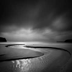 by Zoltan Bekefy. Award winning Landscape and Fine Art Photographer.He is passionate about Black and White and Minimalism. Portfolio contains landscapes, long exposure, and nature photographs. 4k Photography, Landscape Photography, Photography Equipment, Black And White Landscape, Black N White Images, Photo Portrait, Photo D Art, Ireland Landscape, Photo Black