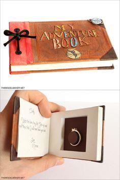 libro de recuerdos de la pareja para entregar el anillo de compromiso | alta joyería artesanal personalizada