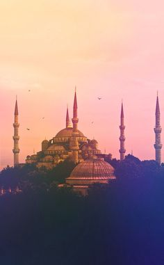 The Blue Mosque, Istanbul. It was built from 1609 to during the rule of Ah. - Robaile - - The Blue Mosque, Istanbul. It was built from 1609 to during the rule of Ah. Blue Mosque, Paris Skyline, Istanbul, Taj Mahal, Join, World, Building, Travel, Viajes