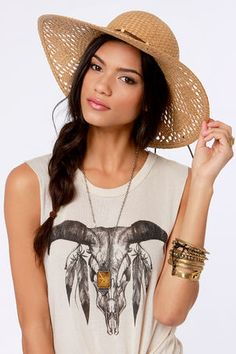 Check it out from Lulus.com! All it takes is a little shade from the Roxy Shady Days Tan Straw Hat to have you looking and feeling cool as a cucumber! Brown suede band with round tan beads ties around this woven hat�s 4.5� brim that brings a touch of Boho flair perfect for pairing with a sundress or your new bikini. Small logo plaque near brim of hat. Women's sizing. One size fits most. 22