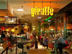 Carl White estaba viajando a Norwich, avisando sobre su viaje por Twitter, a través de un simple tweet. Viendo el tweet, el restaurante #Giraffe lo invitó a almorzar en el nuevo local de Norwich. Lea la experiencia de Carl en el restaurante (Inglés): http://blog.verygoodservice.com/2010/01/28/stunning-service-from-giraffe-restaurants-by-carl-white/
