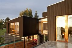 Luxury small house designs in the summer