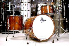 Gretsch Renown Walnut 4pc Euro Drum Set Gloss Natural