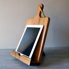 Hoi! Ik heb een geweldige listing gevonden op Etsy http://www.etsy.com/nl/listing/156840352/ipad-and-cookbook-stand-combo-rustic