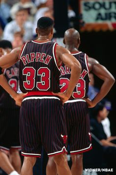 Pippen & Jordan struttin in stripes.