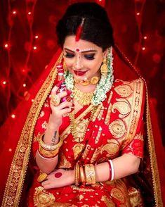 Bengali Bridal Makeup, Indian Wedding Makeup, Indian Wedding Bride, Bengali Wedding, Indian Bridal Outfits, Indian Bridal Fashion, Bridal Makeup Looks, Indian Photoshoot, Bridal Photoshoot