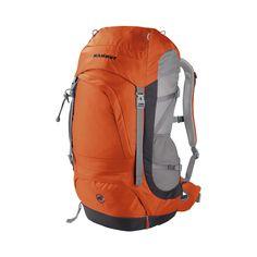 Modelo ideal para #senderismo de #montaña, #trekking, vía ferrata y #escalada deportiva. La mochila Creon Pro (40L) de @mammut es un modelo de gran tamaño, toda una referencia en su categoría gracias a su completa equipación y al sistema de refuerzo lumbar: http://www.daantienda.es/producto/moch-creon-pro-40l-2528