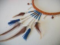 collier plumes ethnique Aztec pompons géométrique