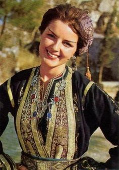 Greece History, Greek Beauty, Sari, Costumes, Wedding Dresses, Movies, Retro, Fashion, Beauty