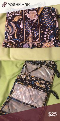 Vera Bradley wrap it up Jewelry folio in blue elephants Vera Bradley Bags Cosmetic Bags & Cases