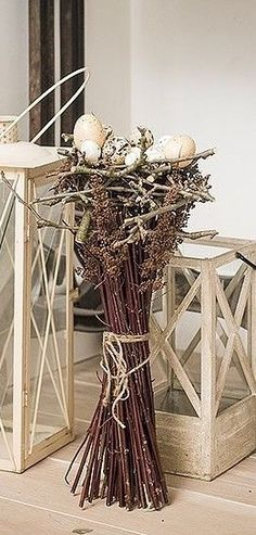 Great for Easter, then change out the top from Easter to any seasonal décor! Deco Floral, Floral Design, Spring Decoration, Easter Holidays, Easter Wreaths, Spring Crafts, Holidays And Events, Easter Crafts, Spring Flowers