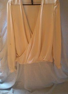 Kup mój przedmiot na #vintedpl http://www.vinted.pl/damska-odziez/koszule/14614514-bawelniana-koszula-kopertowa-mango-zakladana