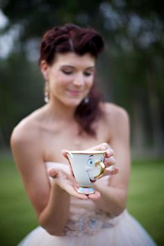 If anyone finds a chip tea cup let me know I so want to do this picture for the wedding