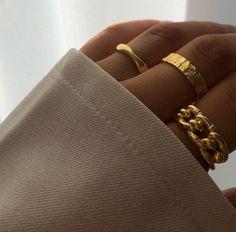 Jewelry Trends, Jewelry Accessories, Fashion Accessories, Fashion Jewelry, Aesthetic Rings, Gold Aesthetic, Aesthetic Design, Aesthetic Vintage, Cute Jewelry
